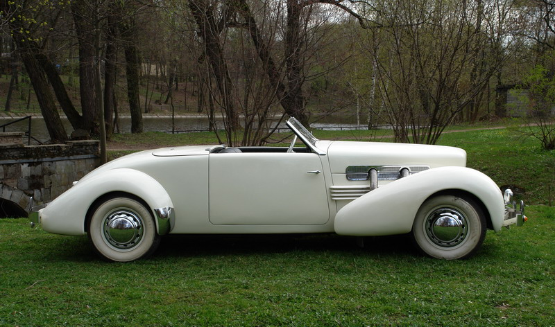 Cord 812 roadster